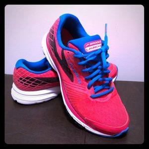 Brooks Launch 3 ladies 8.5 hot pink blue